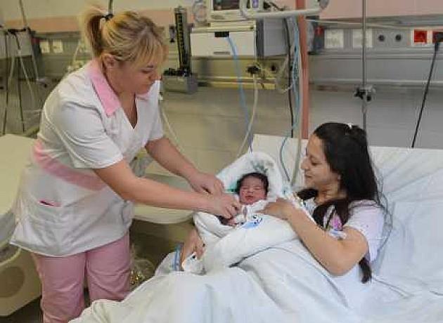 """Minut nakon ponoći rođena prva beba u """"Betaniji"""""""
