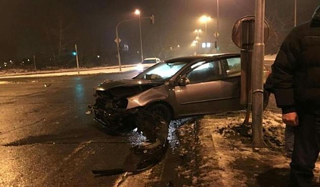 Dva mladića povređena u saobraćajnim nezgodama