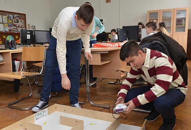 Mladi inovatori iz Kaća ipak idu na takmičenje u Ženevu