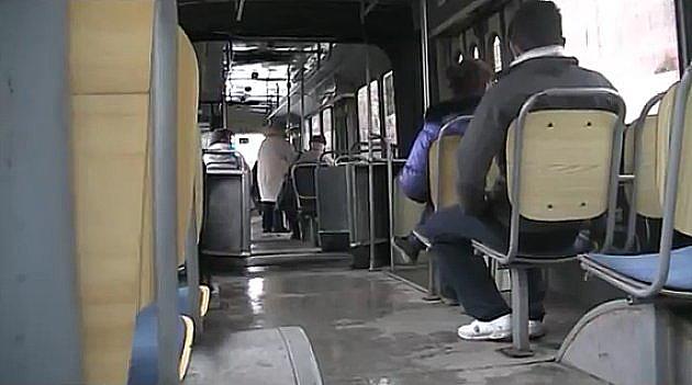 Pokrenuta peticija da trudnice ne plaćaju prevoz u autobusu