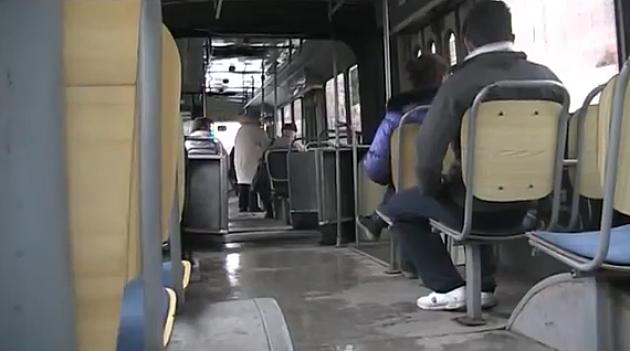 Šest dana zatvora zbog švercovanja u busu