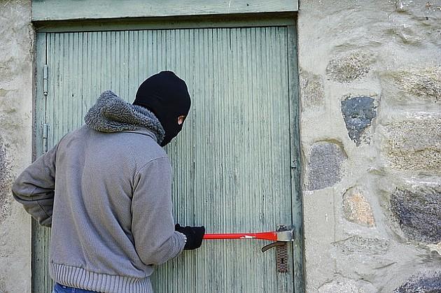 "Petorica Novosađana krala po vikendicama i iz ""Novosadske toplane"""