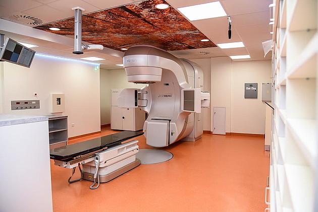 Na Institutu za onkologiju Vojvodine puštena u rad dva nova aparata za zračenje