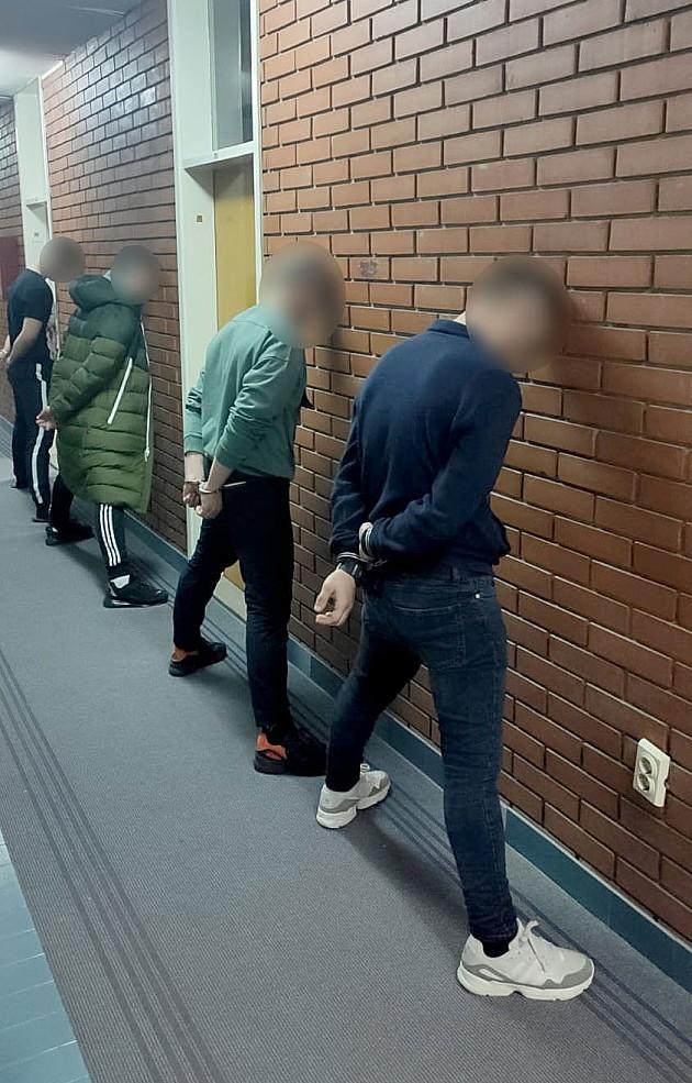 Trojica nasilnika iz Laze Telečkog se terete za pokušaj ubistva, a petorica za nasilničko ponašanje