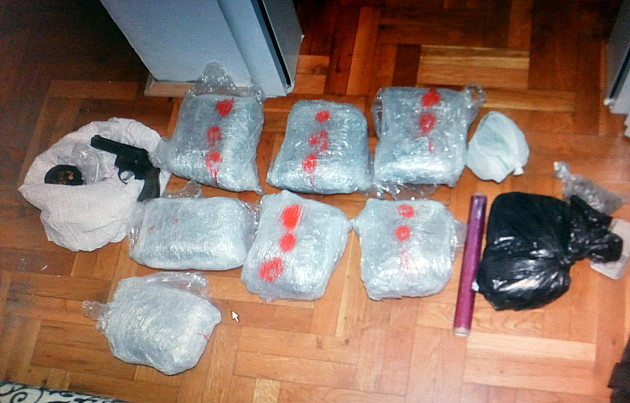 Hapšenje zbog veće količine droge i oružja