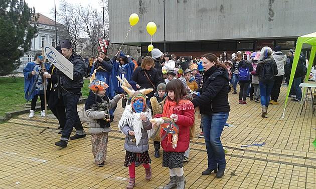 Maškarada dece prodefilovala centrom Novog Sada