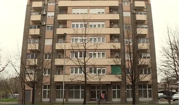 I Novi Sad ima smrdljivu zgradu