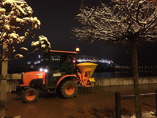 Zabeleo Novi Sad, zimske službe čiste kolovoze, staze i stajališta
