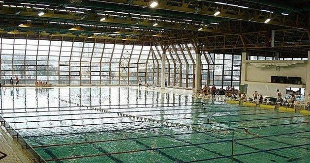 Zatvoreni bazeni pred pucanjem zbog trule konstrukcije