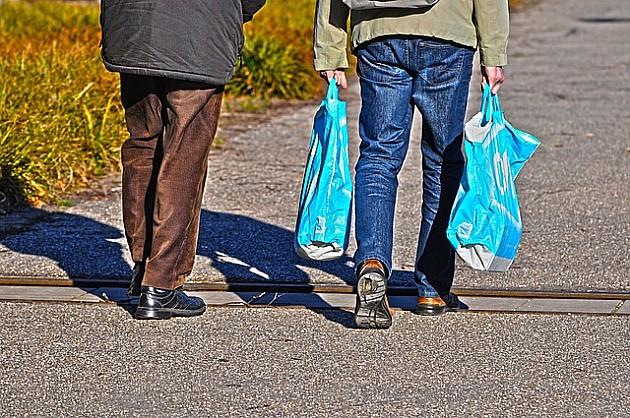 Jedan lanac marketa će naplaćivati plastične kese