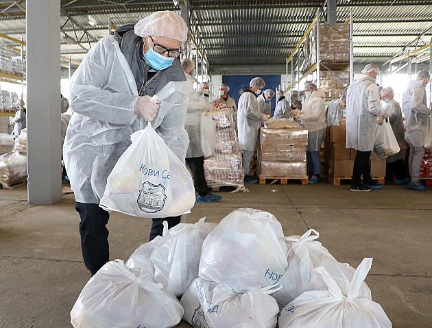 Počelo pakovanje i distribucija paketa pomoći penzionerima