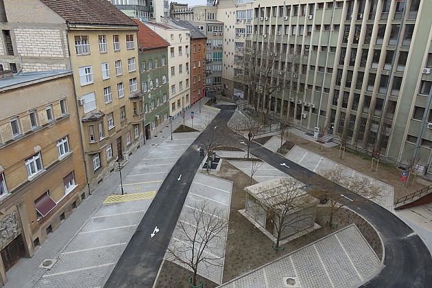 Obnovljen parking u dvorištu Skupštine grada