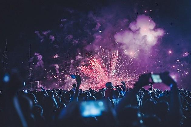 Više desetina novosadskih studenata sinoć proslavili svoj dan