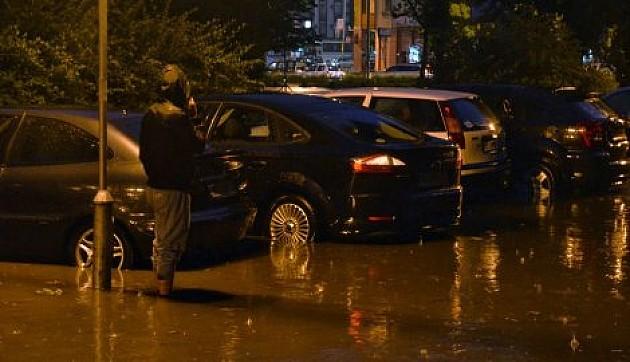 Kiša donela brojne probleme, glavne saobraćajnice prohodne