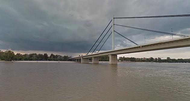 Potraga za devojčicom nestalom u Dunavu i dalje traje