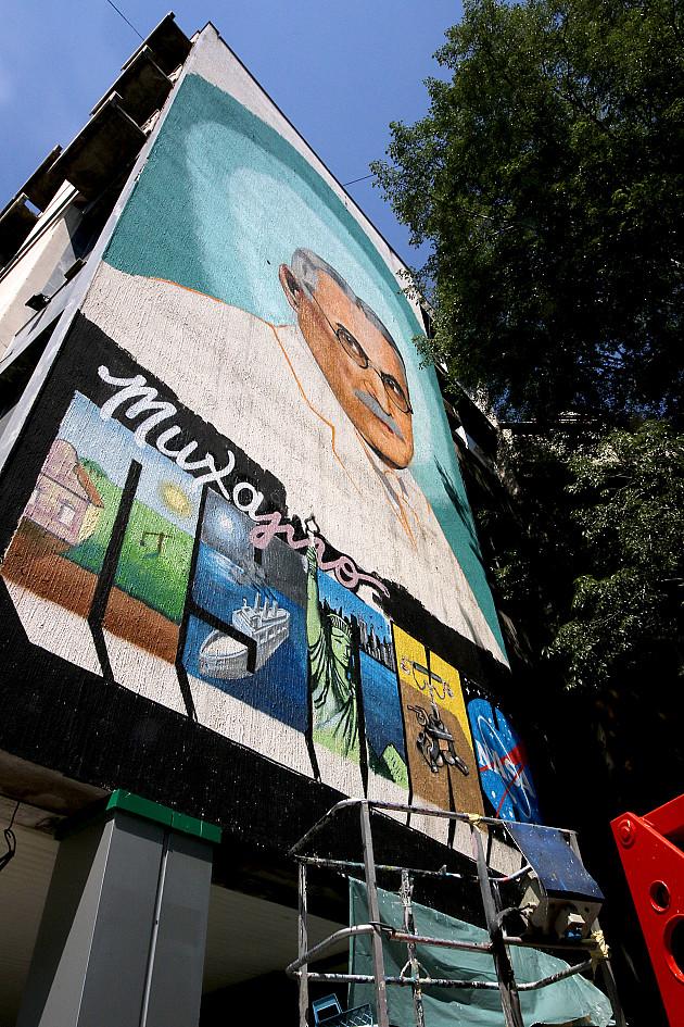 Mihajlo Pupin dobio mural na bulevaru koji nosi njegovo ime