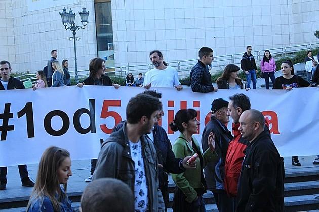 """Incident i hapšenje na protestu """"Jedan od pet miliona"""" u Novom Sadu"""