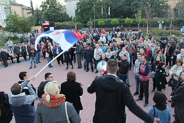 """Održan protest """"1 od 5 miliona"""", građanima poručeno da istraju u borbi"""