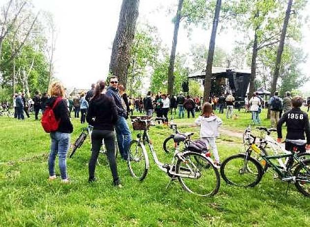 """Sjajna atmosfera na """"Novosadskom uranku"""" u Limanskom parku"""