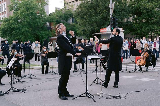 Koncertom na Bulevaru oslobođenja završena mini-turneja Opere SNP-a po Novom Sadu