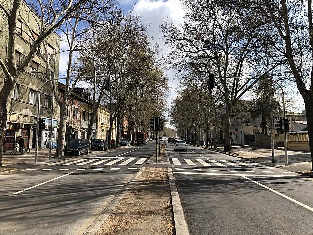 Novi semafor u Futoškoj ulici od danas počinje sa radom, u Jevrejskoj na žutom treptaču