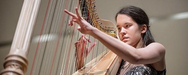 Ogroman uspeh mlade harfistkinje