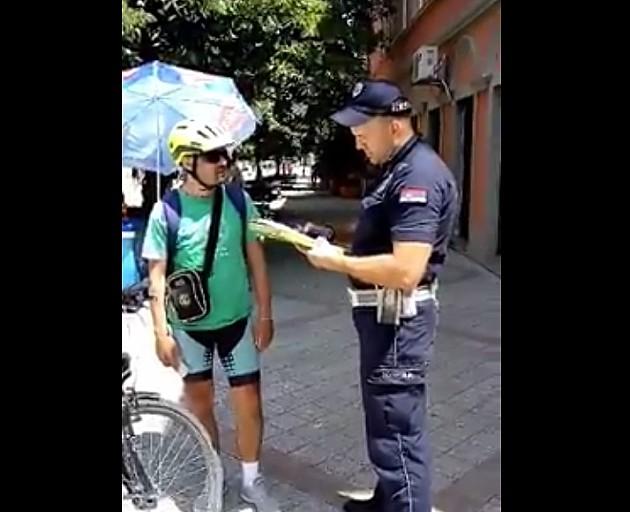 Priveden autor snimka kažnjavanja bicikliste u Novom Sadu