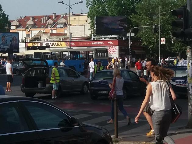 Novosađani blokirali raskrsnice u gradu zbog visoke cena goriva