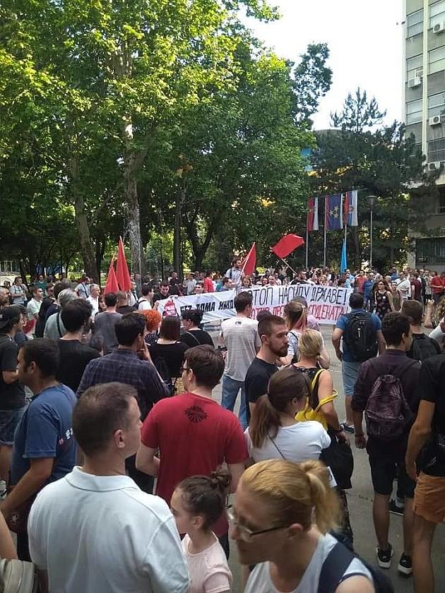 """""""Neće nas slomiti"""", poručili pretučeni studenti na jučerašnjem protestu"""