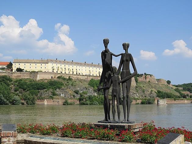 Student iz Šapca nestao  u Dunavu na Keju žrtava racije