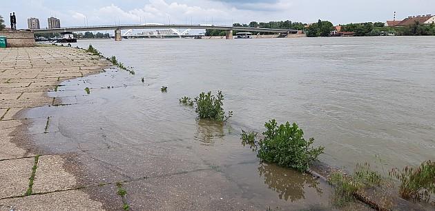 Redovna odbrana od poplava kod Sremske Kamenice, Petrovaradina i Sremskih Karlovaca