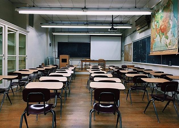 Zbog nepravilnosti u formiranju odeljenja tri škole bez direktora, a neka odeljenja rasformirana