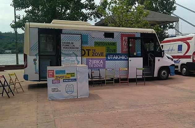 Autobus-punkt za vakcinaciju protiv korone sutra i u subotu na Štrandu