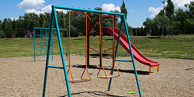 Počinje obnova dečjih igrališta