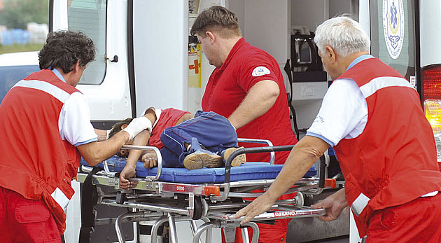 Devojka poginula u saobraćajki, troje povređeno