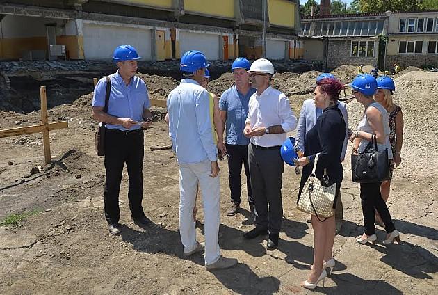 U toku renoviranje tri novosadske osnovne škole