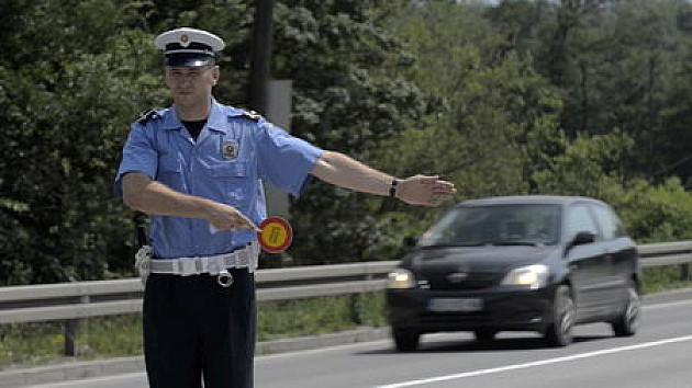 Na svaka dva sata po jedan vozač isključen iz saobraćaja zbog alkohola