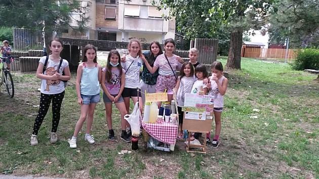Deca sa Limana prodaju limunade kako bi pomogla mališanima obolelim od raka