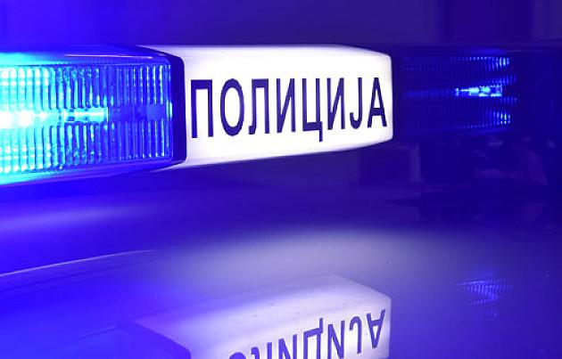 Presreli na ulici dvojicu maloletnika, pretili im, pa jednog opljačkali