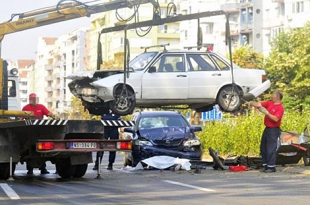 Tragedija na Limanu: Poginuo biciklista u sudaru dva automobila