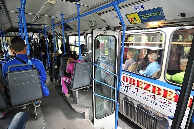 Regresiranje putnih troškova za srednjoškolce