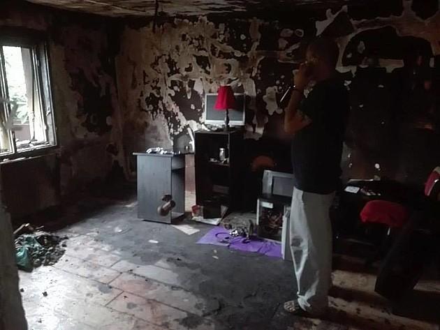 Porodici s Telepa izgoreo deo kuće