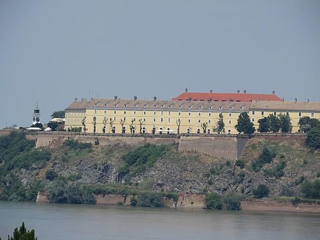 Delovi Petrovaradinske tvrđave uskoro će biti popravljeni