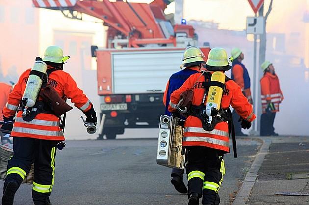 Muškarac teže povređen u požaru na Telepu