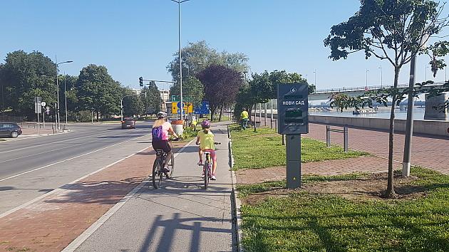 Brojači saobraćaja sa displejima za bicikliste postavljeni na tri lokacije