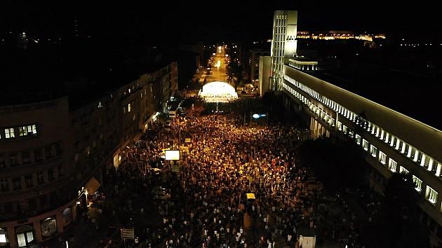 Gotovo 10.000 Novosađana uživalo u simfonijskom spektaklu