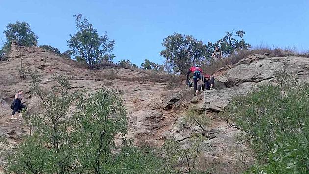 Spasene tri tinejdžerke zaglavljene na Fruškoj gori