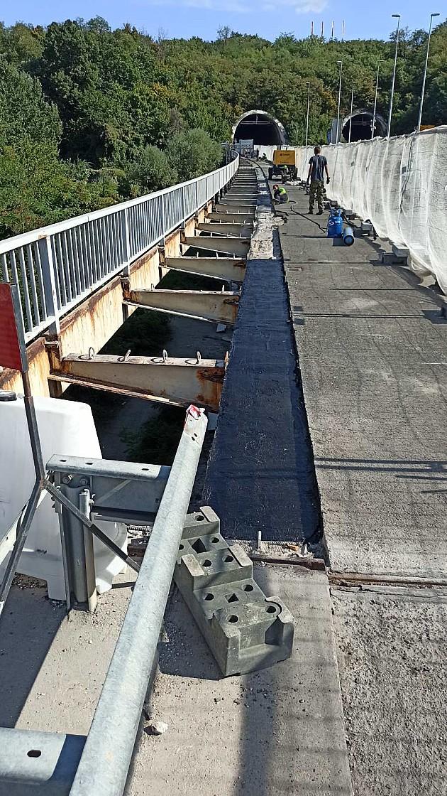 U toku radovi na održavanju Mosta slobode