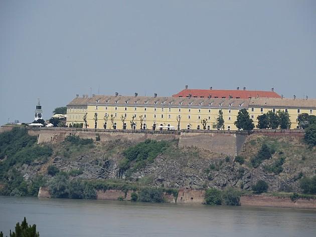 Mladić pao sa zidina Petrovaradinske tvrđave