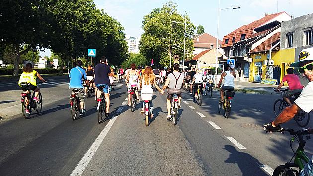 Kritična masa posvećena obilaženju biciklista
